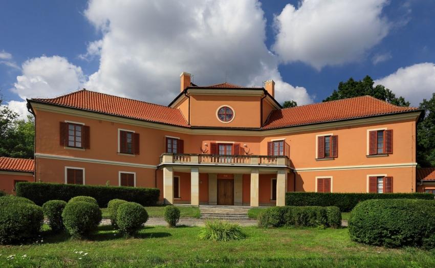 Černice chateau